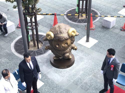 おづみんブロンズ像除幕式が行われました。